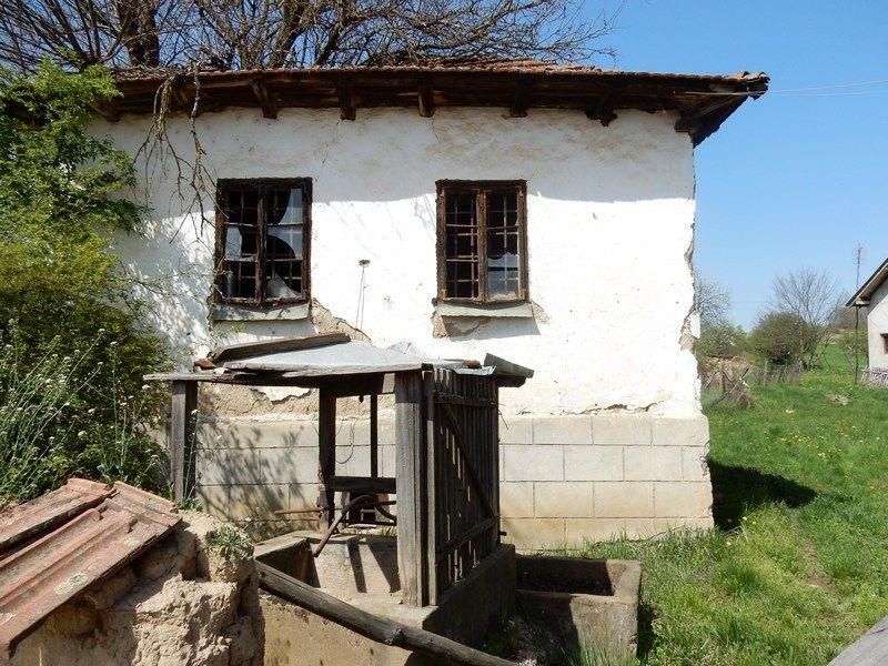 Napuštene straćare, štale bez sena, sokaci bez stoke (FOTO)