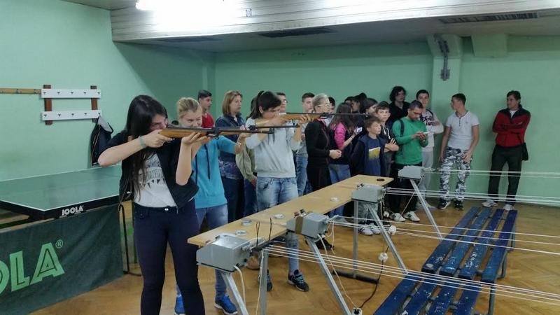 """Učenici """"Vase Pelagić"""" najbolji u streljaštvu"""