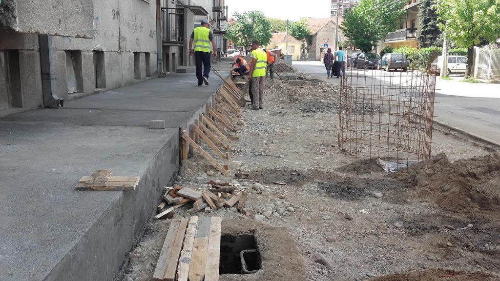 Uređuje se 3 hiljade kvadrata trotoara u Leskovcu