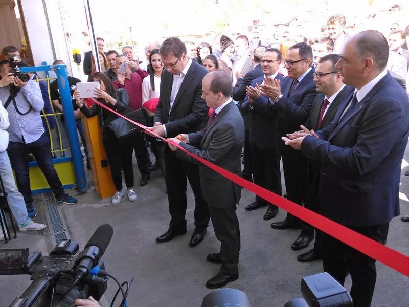 "Premijer Vučić otvorio fabriku ""Teklas automotiv"" u Vladičinom Hanu"