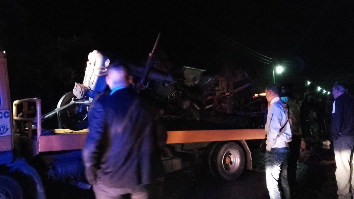 UMALO NESREĆA! Pijani vozač raskomadao traktor na kojem su se vozila deca (FOTO)