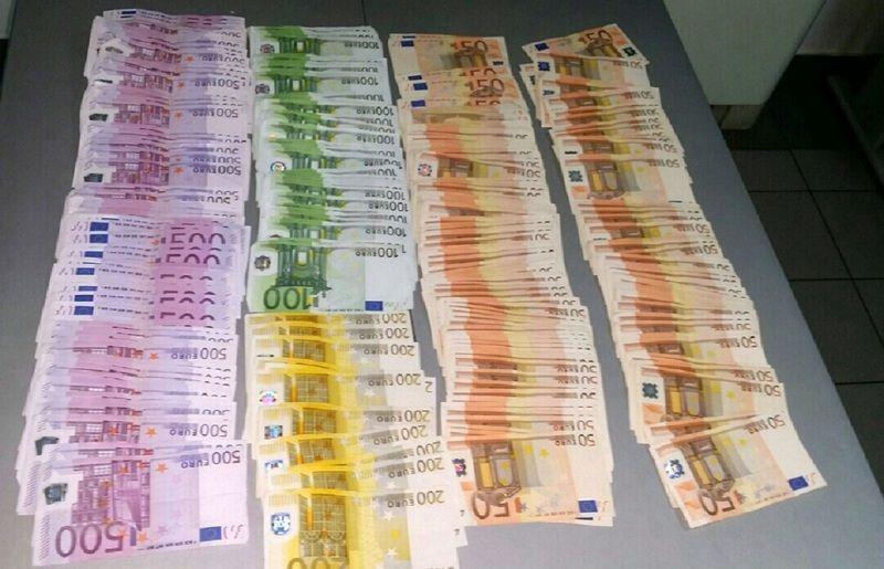 10.000 evra krili u toalet papiru