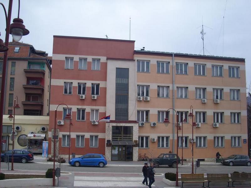 """Prvi slučaj korone u Dimitrovgradu, zabranili okupljanja i ispijanje alkohola ispred """"zadruga"""""""