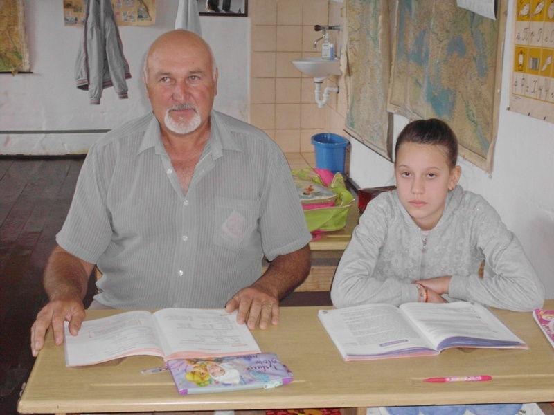 Miljana Krstić poslednja učenica škole u Komarici