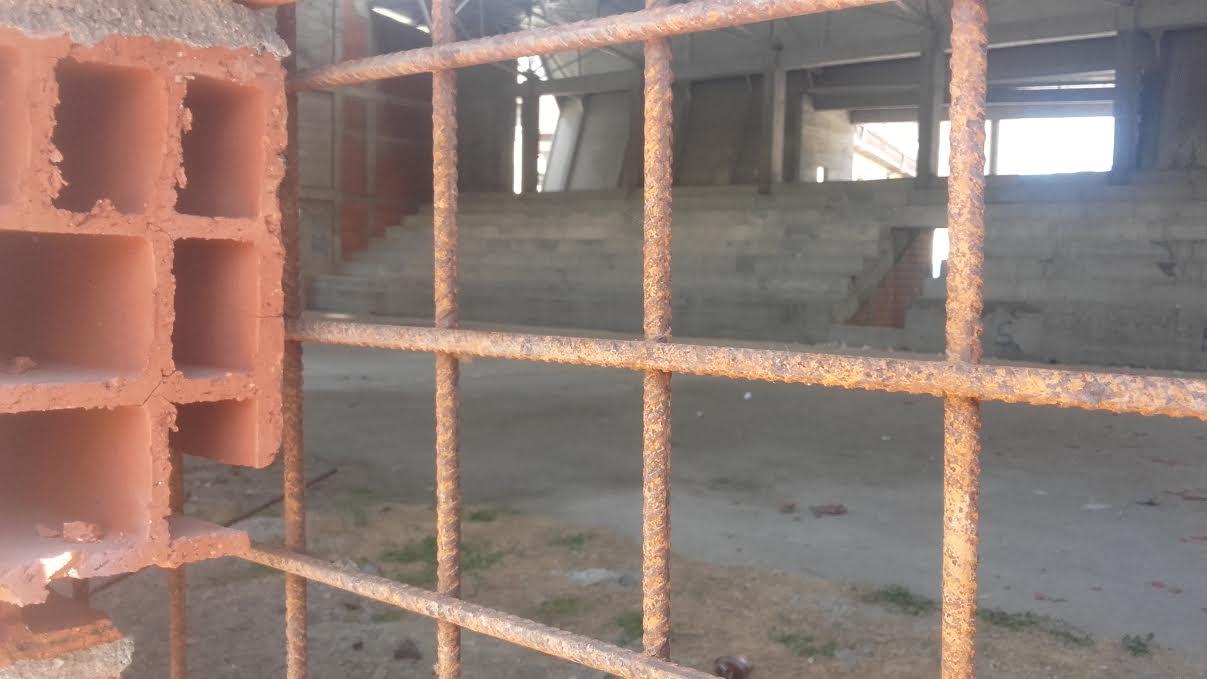 Žica oko Doma Partizana obezbedila gradilište od upada huligana? (GLASANJE)