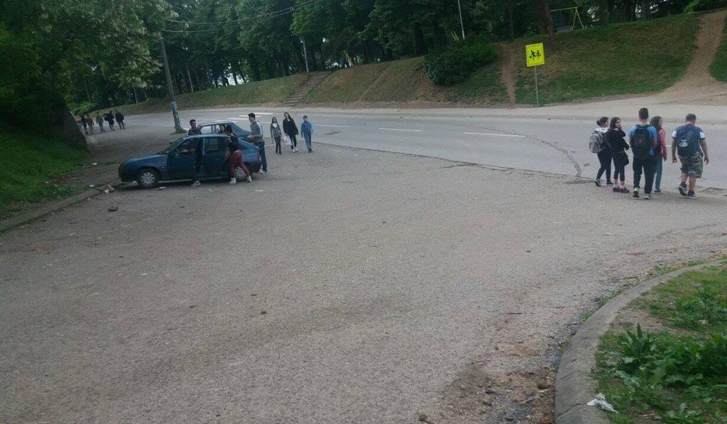 BEDAK! Grupicu Leskovčana sa prvomajskog uranka rasterala kiša