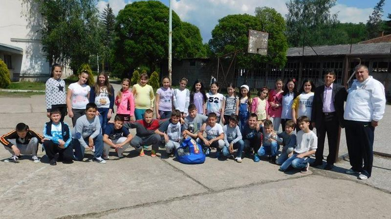 FSS poklonio sportske rekvizite osnovcima