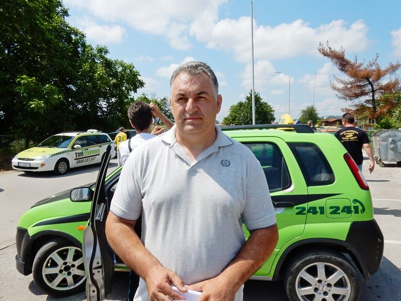 LESKOVAC03_protest taksista_Boban Jovanovic_FOTO M Ivanovic