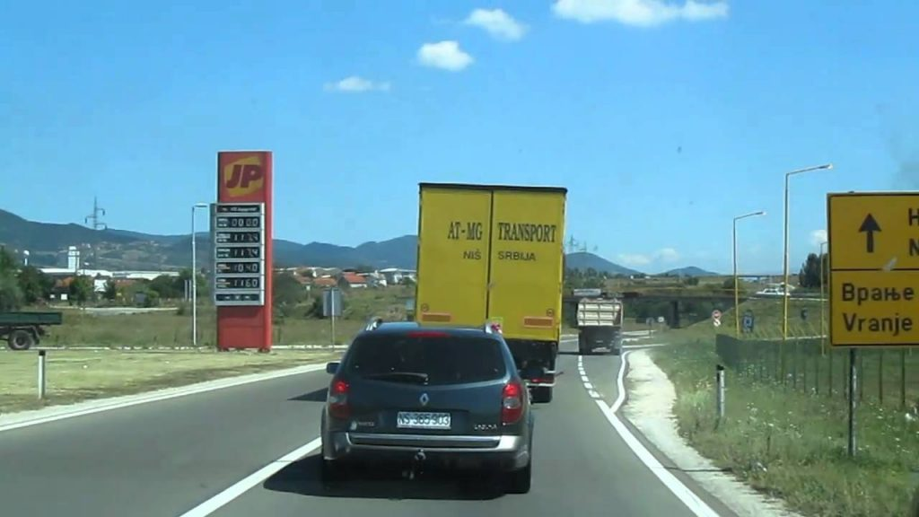 Kamion sleteo sa auto-puta kod Grabovnice