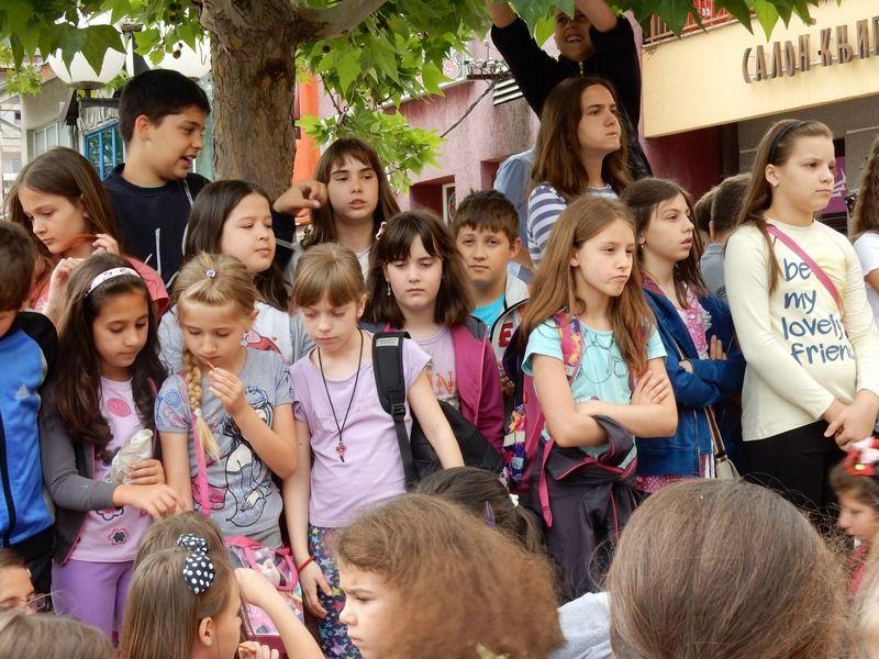 Osnovci se pozdravili sa školom, najboljima tableti na dar