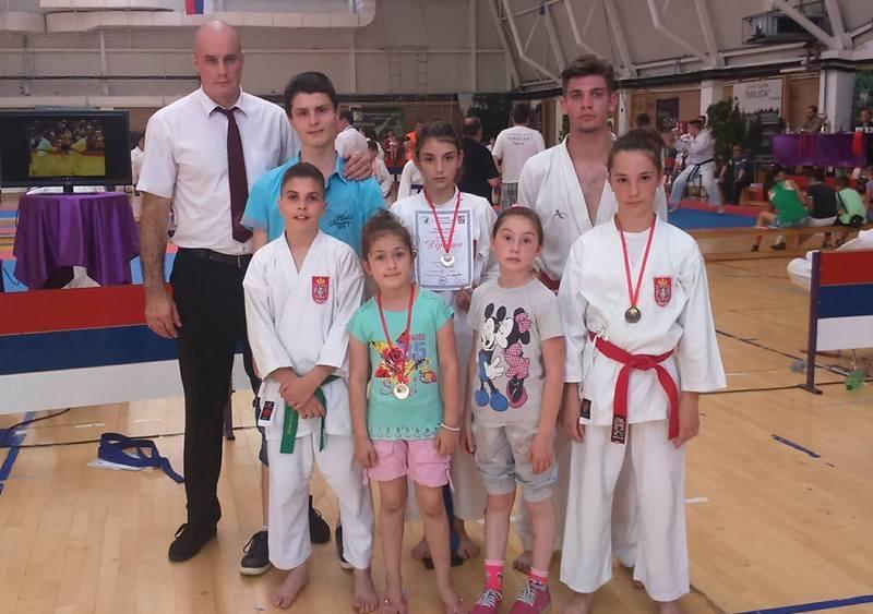 Karatisti doneli 6 medalja iz Sokobanje