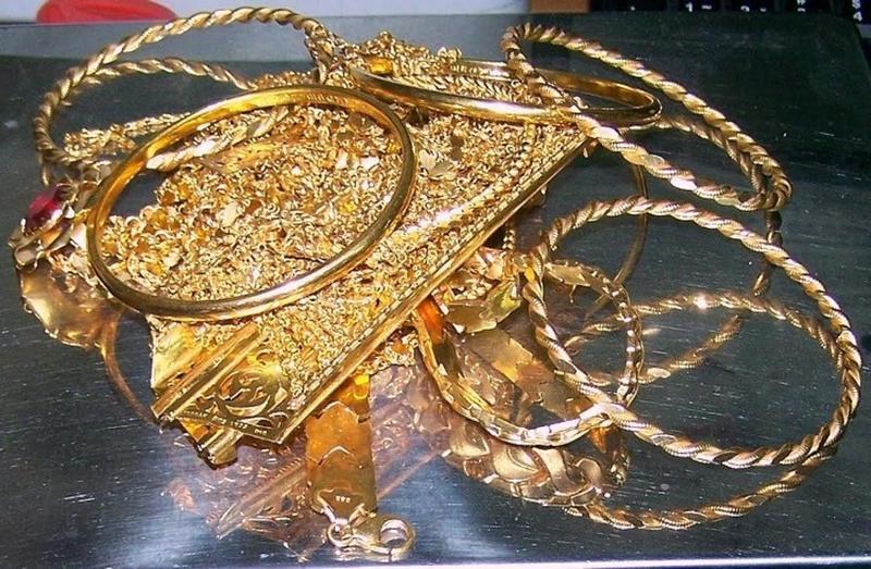 Zaplenjeno 42.000 evra i 600 grama zlata