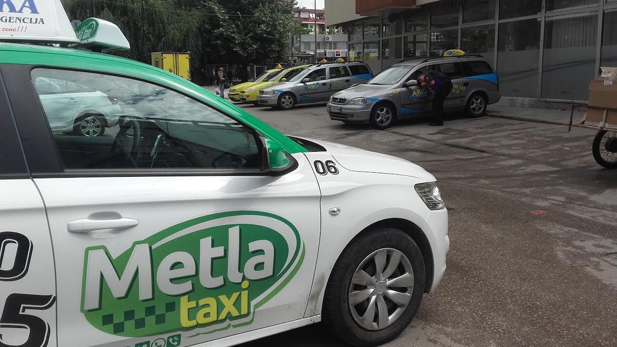 """Svi leskovački taksisti podneli prijavu protiv """"Metla Taxija"""""""