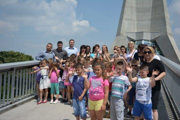 Mališani iz Medveđe bili gosti srpske prestonice