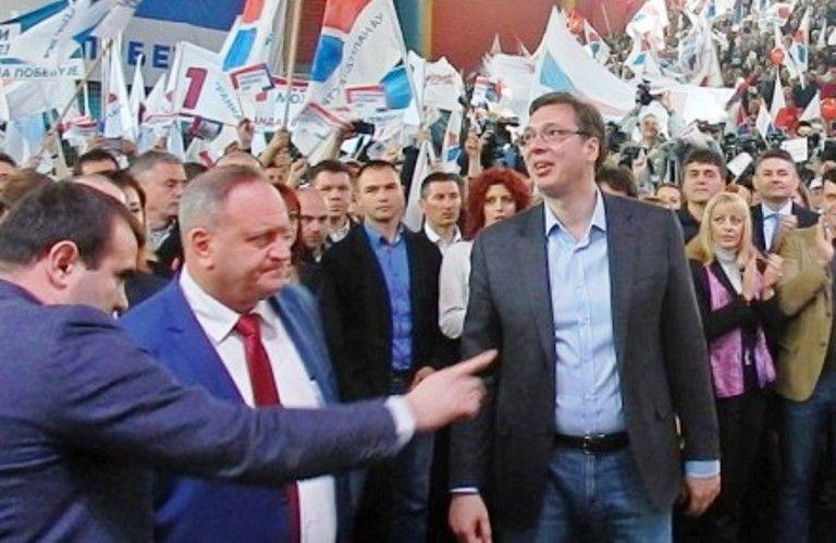 Vučić uporno imitira gradonačelnika Leskovca Gorana Cvetanovića