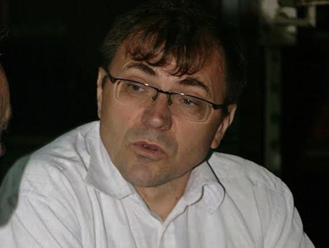 """Živanović: Umesto što sređuje učionice Vučić da """"uredi"""" profesorske plate"""