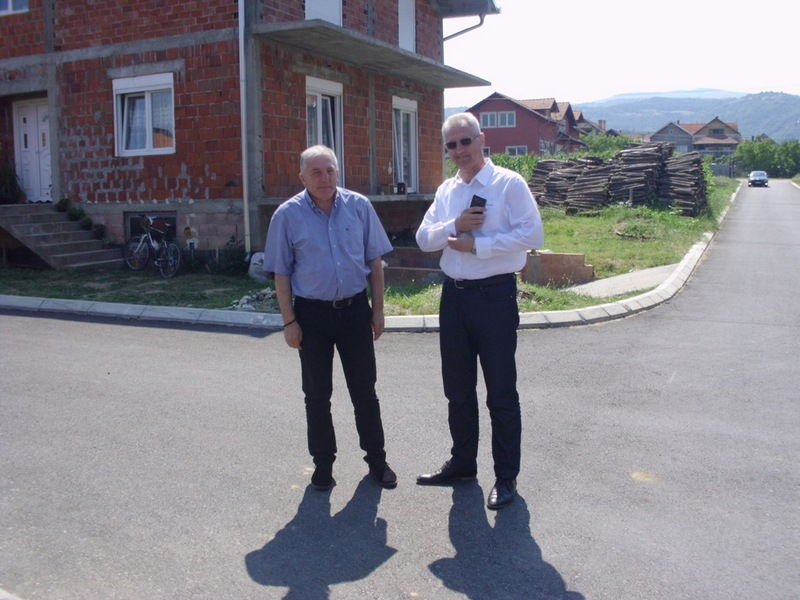 Asfaltirane tri ulice u Vlasotincu