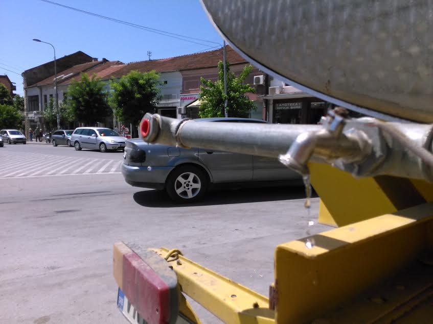Neispravna voda sa javnih česama u Vranju?