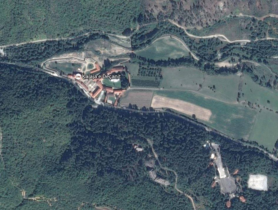 """PROVOKACIJA?! Google Maps obrisao Visoke Dečane i """"prebacio"""" u blizini Leskovca"""