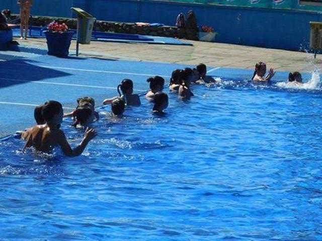 Besplatna škola plivanja u Vladičinom Hanu