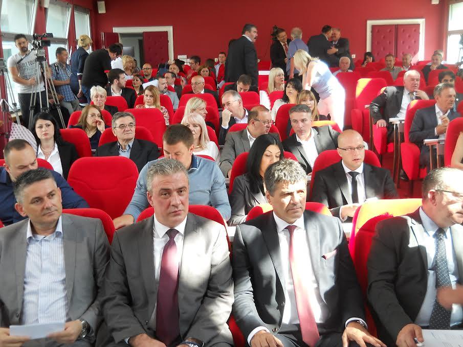 Niš u ponedeljak dobija novog gradonačelnika, kandidat Darko Bulatović