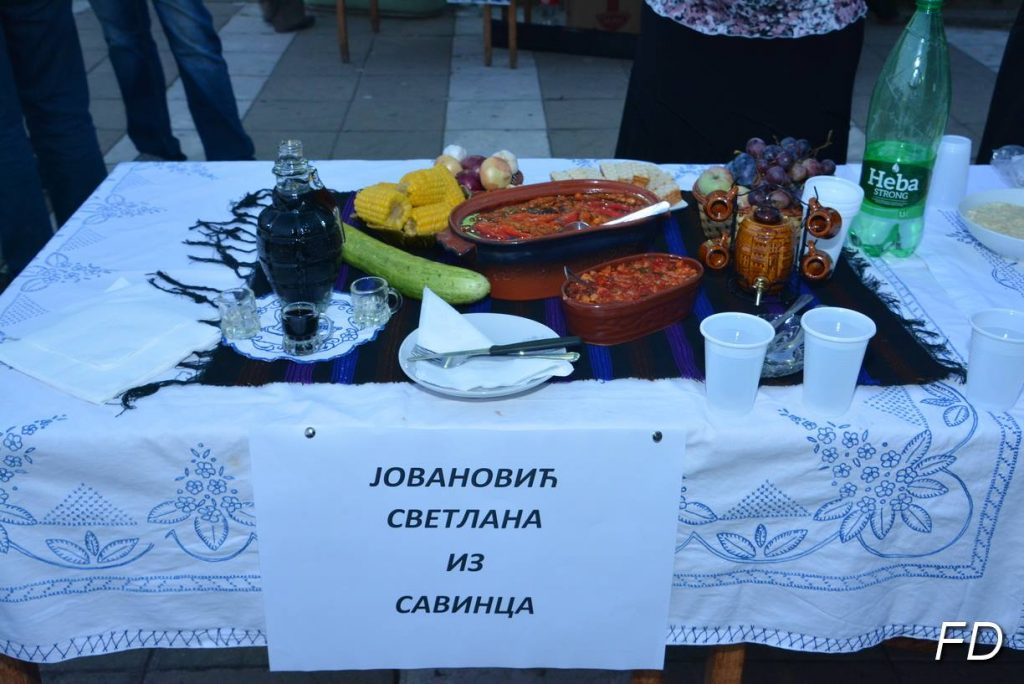 Domaćica iz Savinca spremila najlepšu etno trpezu