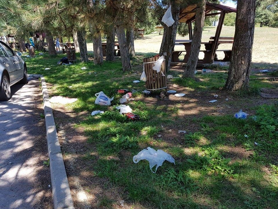 ŽALOSNO Kamenički vis pretvoren u deponiju (FOTO)