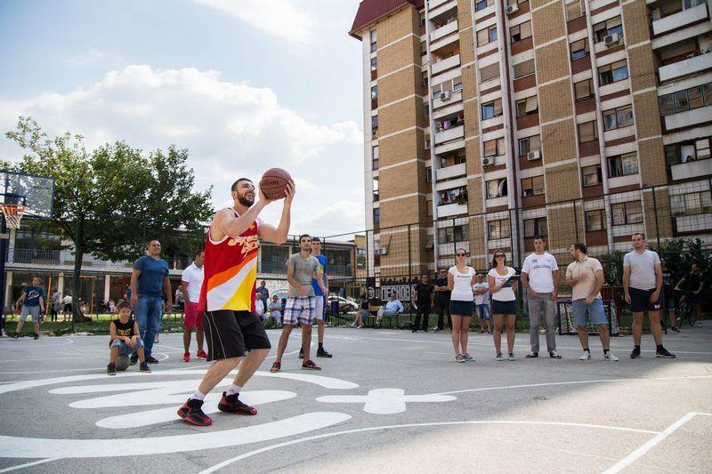 Obnovljeni košarkaški teren poneo ime Miljana Pavkovića