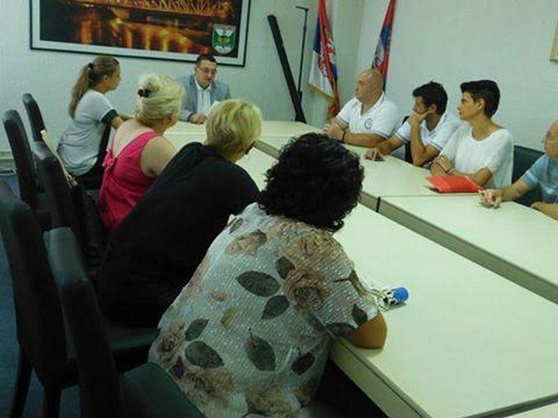 Nevladine organizacije pomažu starijim sugrađanima