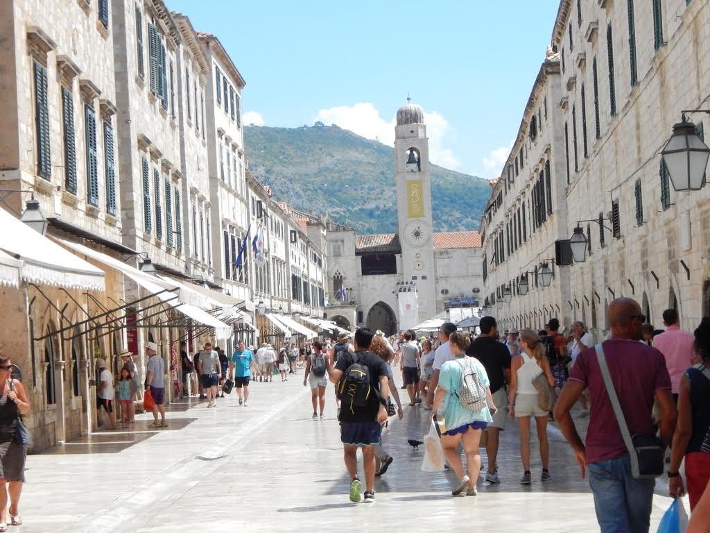 Srbe sad u Dubrovniku dočekuju s osmehom jer manjakju turisti