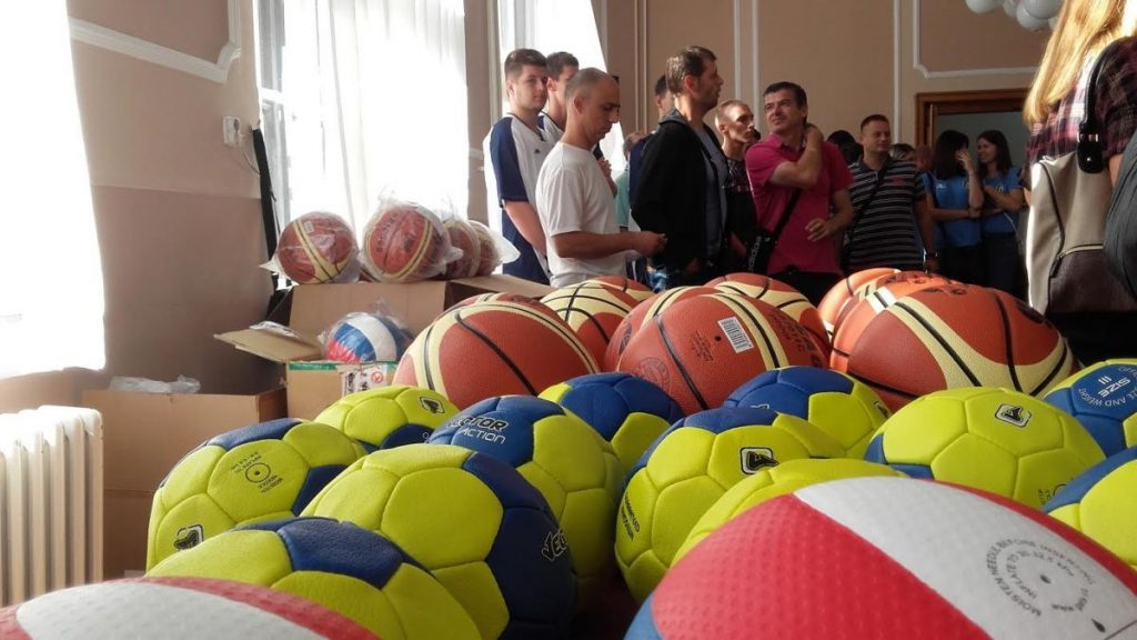 Odbojkaši, rukometaši i košarkaši dobili nove trenerice i lopte