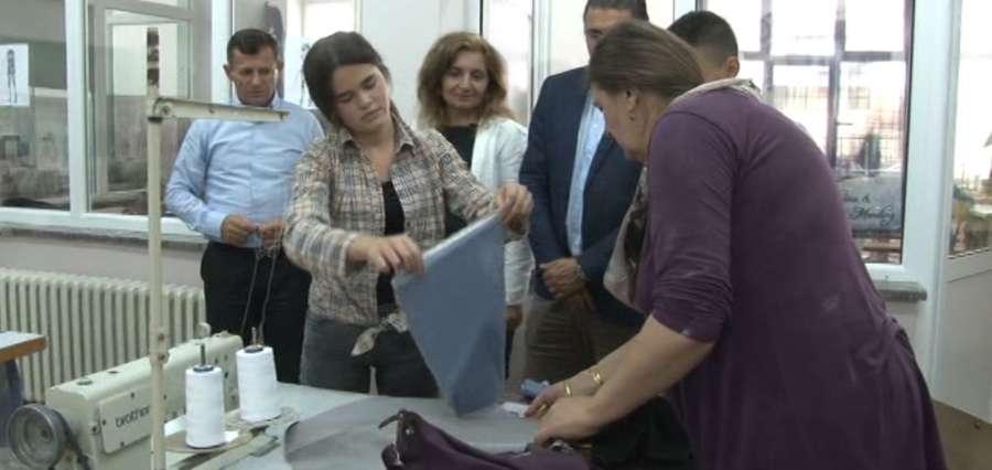 Novopazarci od leskovačkih tektilaca uče kako da spoje obrazovanje i privredu (VIDEO)