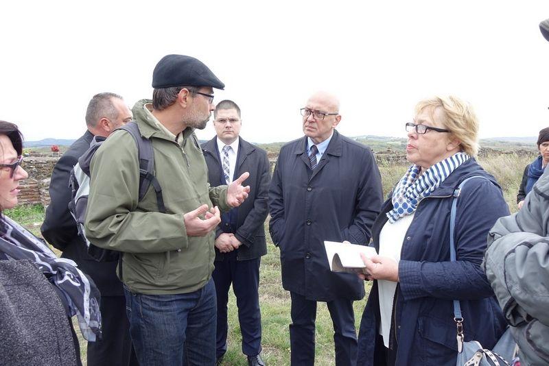 Ministar kulture oduševljen Caričinim gradom, obećao pomoć u promociji i uređenju