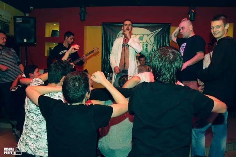 TUGA Leskovački underground bendovi sviraju celu noć za flašu piva (VIDEO)