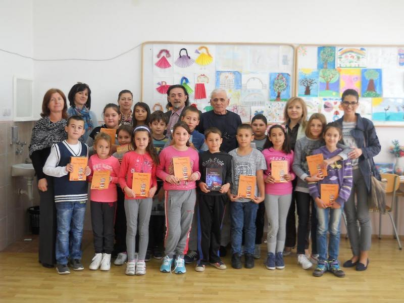 """""""Niš-ekspres"""" obradovao knjigama mališane u Čamurliji"""