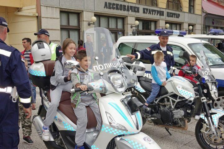 policija_motori_defile
