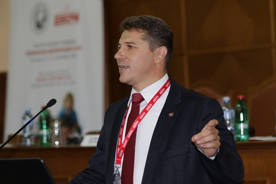 Dveri traže ostavku gradonačelnika Leskovca zbog izveštaja revizora