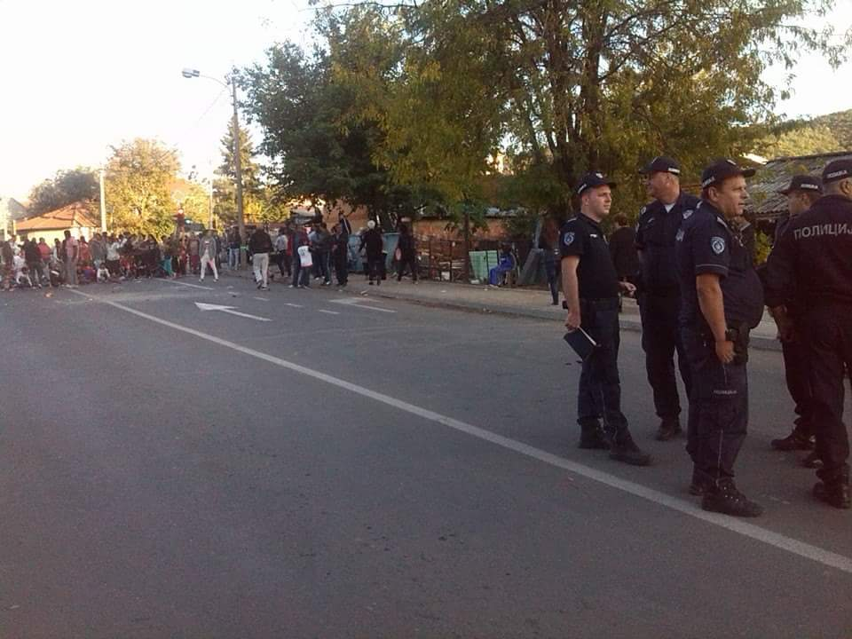 Romi iz Crvene zvezde odblokirali  ulicu
