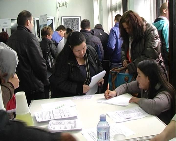 TRBUHOM ZA KRUHOM Za jedno radno mesto konkurisalo po desetoro nezaposlenih