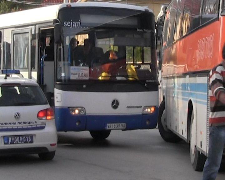 Sudar dva autobusa na regionalnom putu
