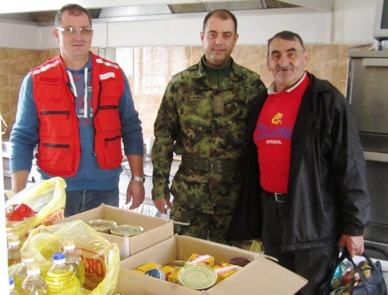 Vojnici donirali pomoć Narodnoj kuhinji