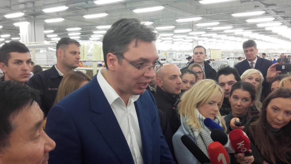 Vučić: Povećaćemo plate, i to ne beznačajno (VIDEO)