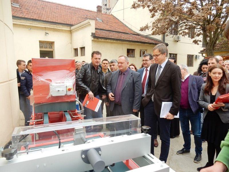 Nemci donirali Leskovčanima opremu za proizvodnju meda i povrtarstvo