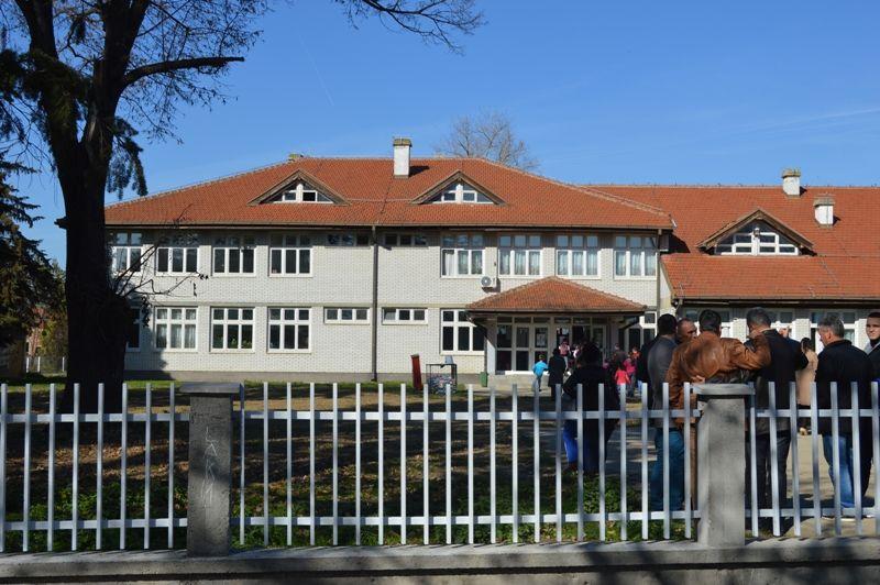 Školska ograda vredna 2 miliona