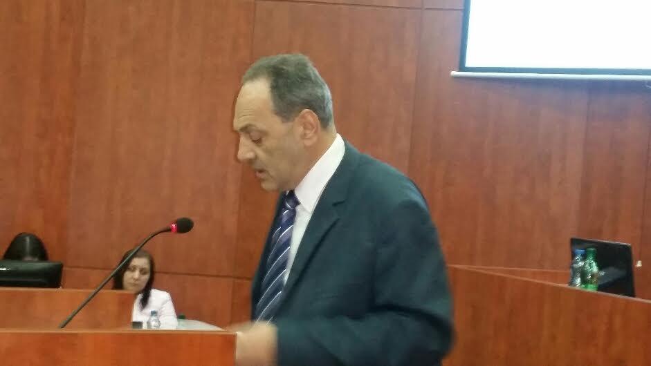 Odbornik Nebojša Cakić: Šetam jer mi ne daju da radim!