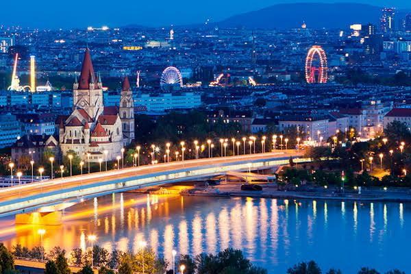 """Novogodišnji poklon """" Niš-ekspresa """" – do Beča po sniženoj ceni"""