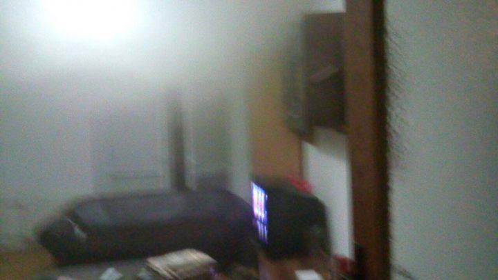 Požar u stambenoj zgradi u Medveđi, panika među stanarima
