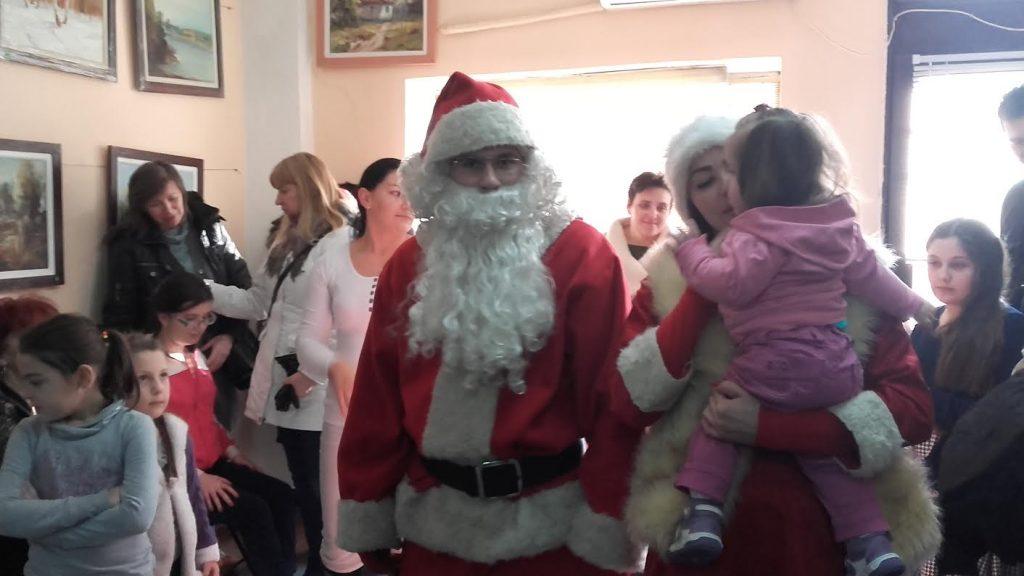 Novogodišnje radosti i za decu iz Udruženja distrofičara