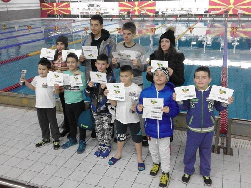 """USPEH PK """"Leskovac"""" iz Skoplja doneo 22 medalje i 2 pehara"""