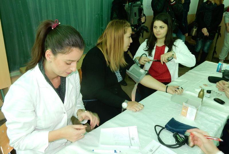 SNS organizovao merenje pritiska i šećera u krvi